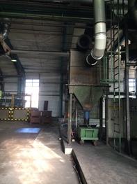 Trennwand in einer gro�en Produktionshalle
